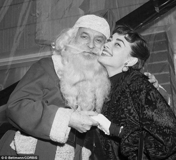 Christmas Audrey Hepburn 607