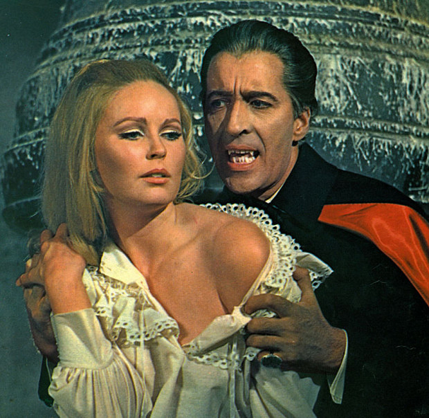 christopher lee Dracula has Risen from the Grave 607