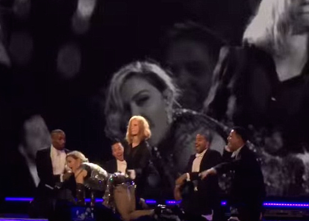 Jessica Chastain Madonna 607 2