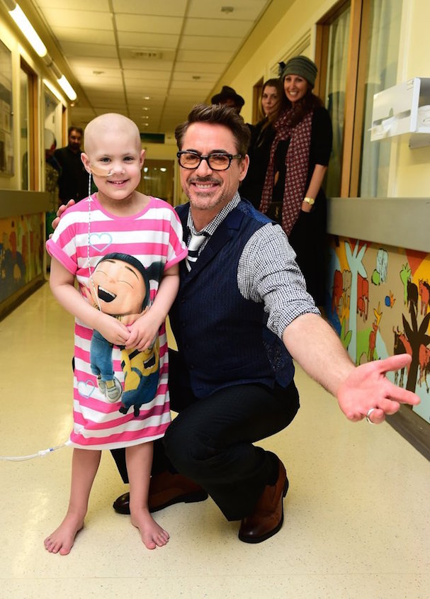 Robert Downey Jr. Visits Hospital 607 2