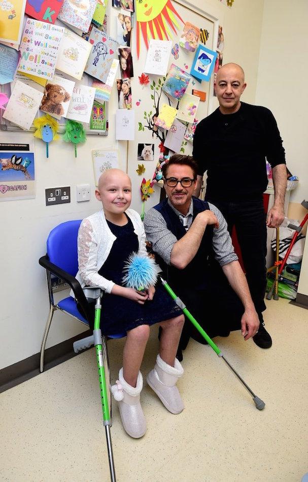 Robert Downey Jr. Visits Hospital 607 3