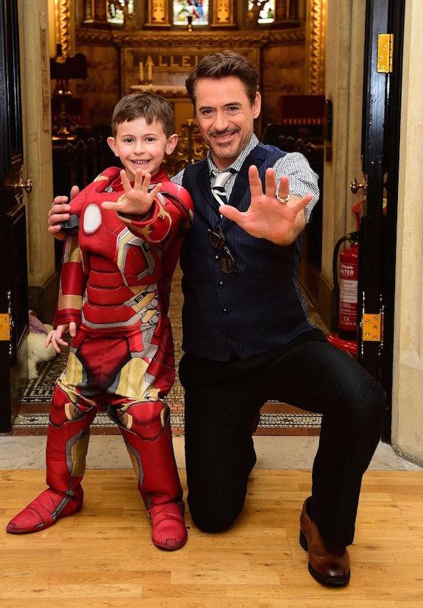 Robert Downey Jr. Visits Hospital 607 5