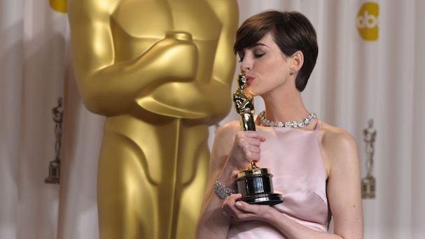 Anne Hathaway Oscar 607