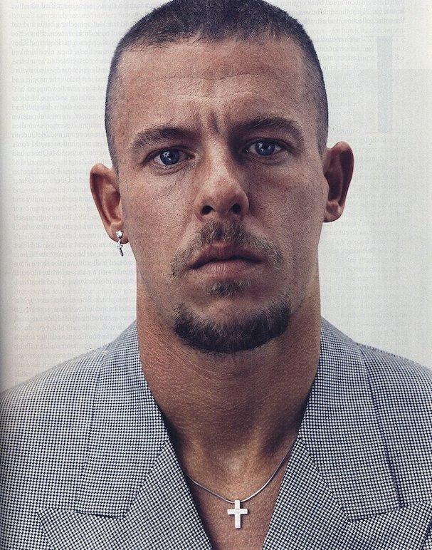 Alexander McQueen 607