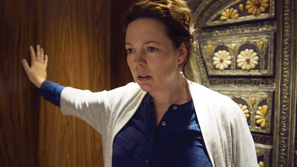 Olivia Colman Night Manager 607