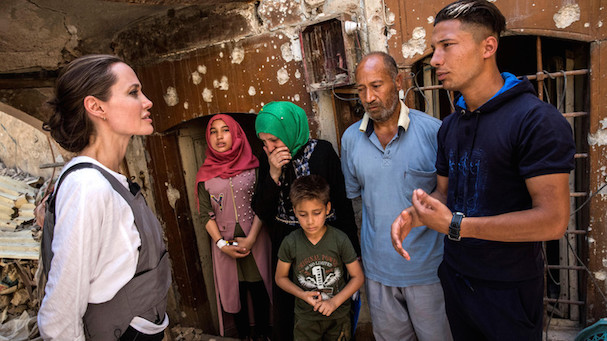Angelina Jolie Mosul 607 3