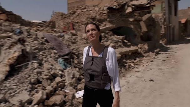 Angelina Jolie Mosul 607 4