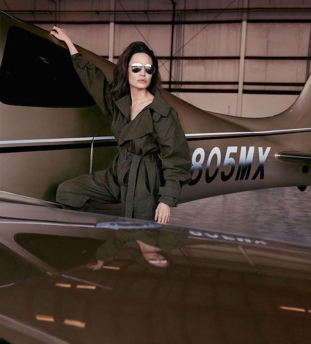 Angelina Jolie Elle 607 2