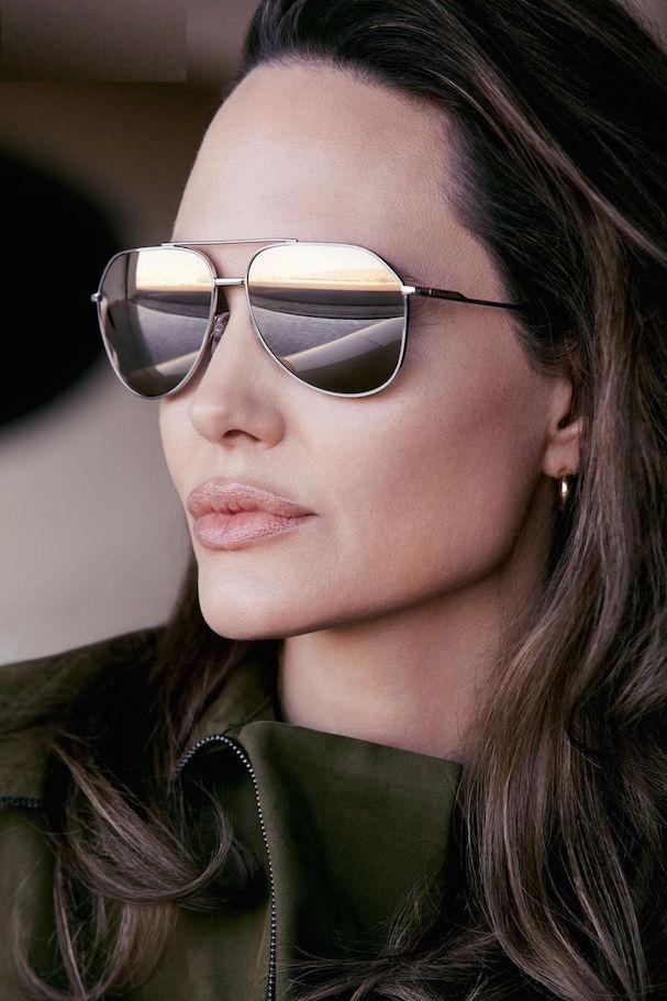 Angelina Jolie Elle 607 4