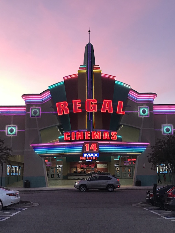 regal cinemas 607
